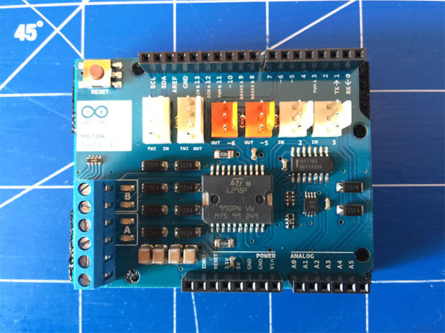 02-Arduino-Motor-Shields-R3