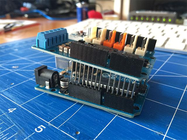 03-Arduino-Motor-Shields-R3