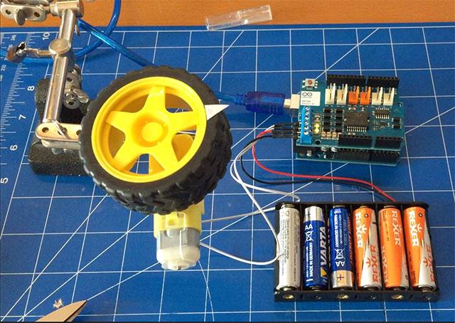 12-Arduino-Motor-Shields-R3