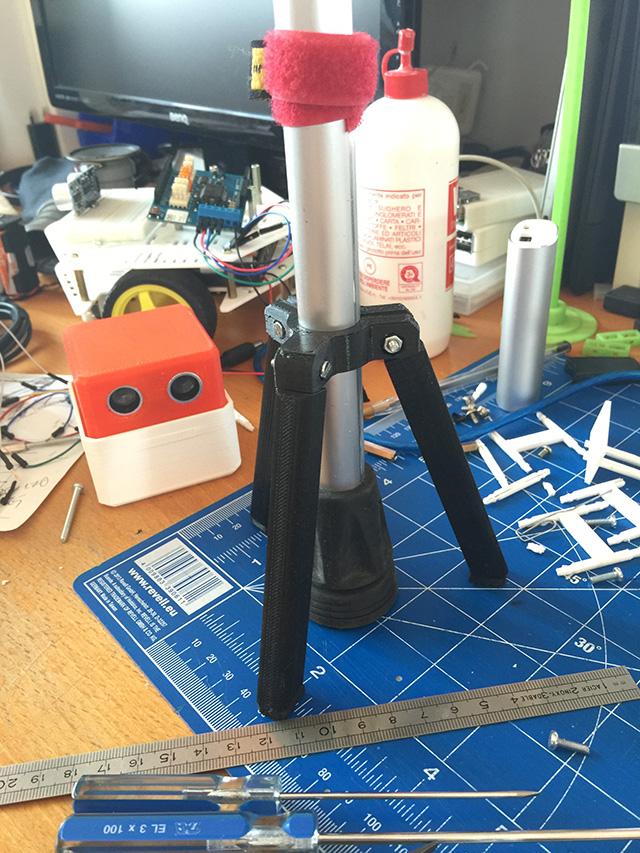 05-tripod_for_crutches